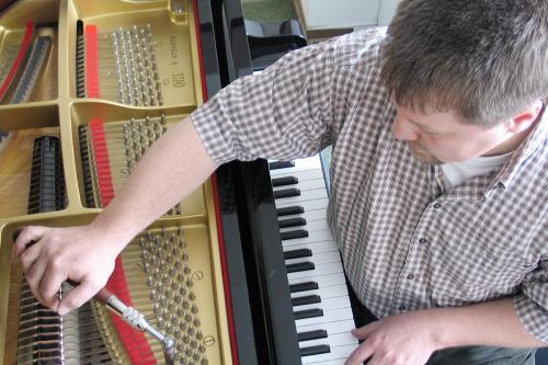 Betreuung von Schulen durch Klavier-Niewienda