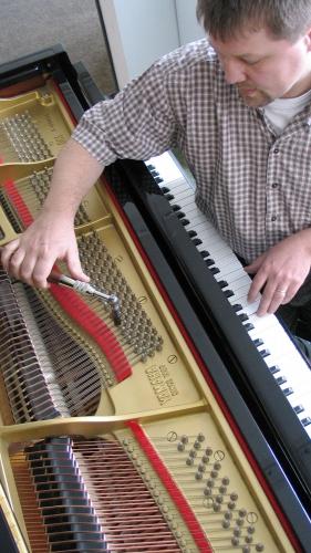 Detailarbeit von Klavier-Niewienda